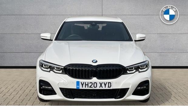 2020 BMW 330i M Sport Saloon (White) - Image: 16