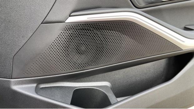 2020 BMW 330i M Sport Saloon (White) - Image: 20