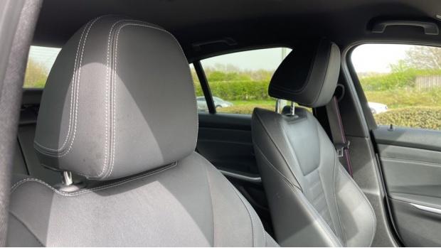 2020 BMW 330i M Sport Saloon (White) - Image: 26