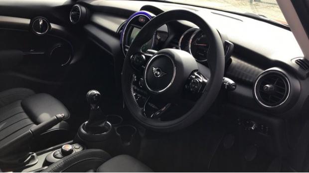 2021 MINI 5-door Cooper Exclusive (Red) - Image: 6