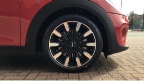 2021 MINI 5-door Cooper Exclusive (Red) - Image: 14
