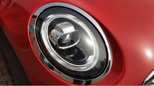 2021 MINI 5-door Cooper Exclusive (Red) - Image: 22