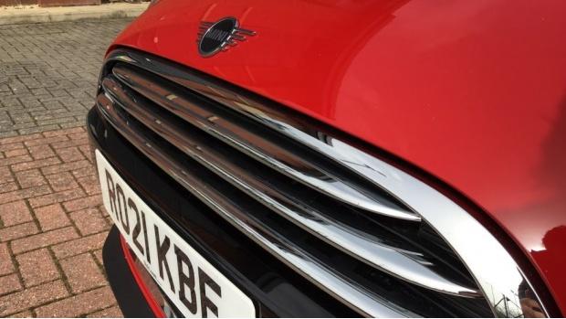2021 MINI 5-door Cooper Exclusive (Red) - Image: 23