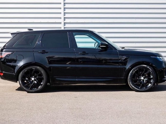 2018 Land Rover SD V6 HSE Dynamic Auto 4WD 5-door (Black) - Image: 5