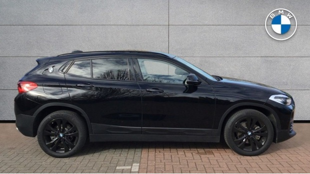 2020 BMW XDrive18d Sport (Black) - Image: 3