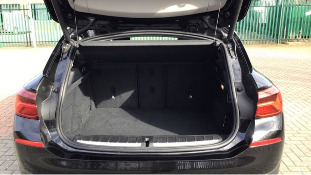 2020 BMW XDrive18d Sport (Black) - Image: 13