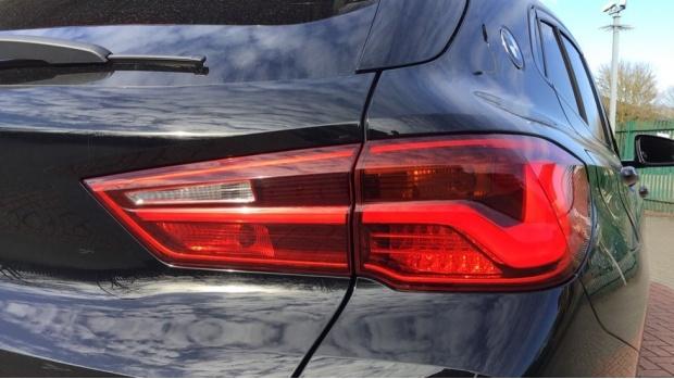 2020 BMW XDrive18d Sport (Black) - Image: 22