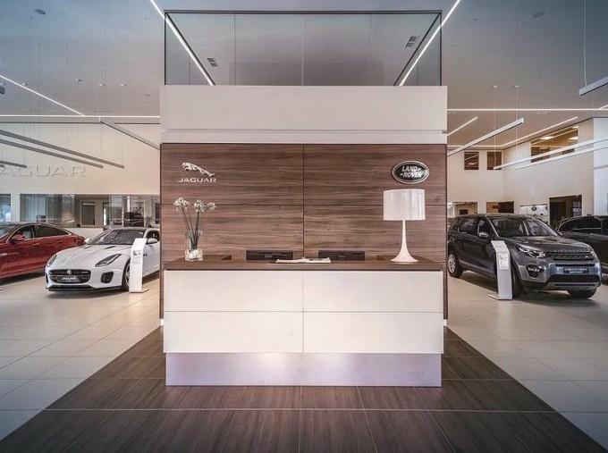 2017 Jaguar V6 400 Sport Auto 2-door (Black) - Image: 4