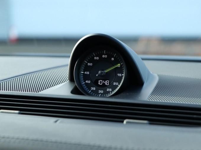 2020 Porsche V6 E-Hybrid 17.9kWh 4S PDK 4WD 4-door (Black) - Image: 10
