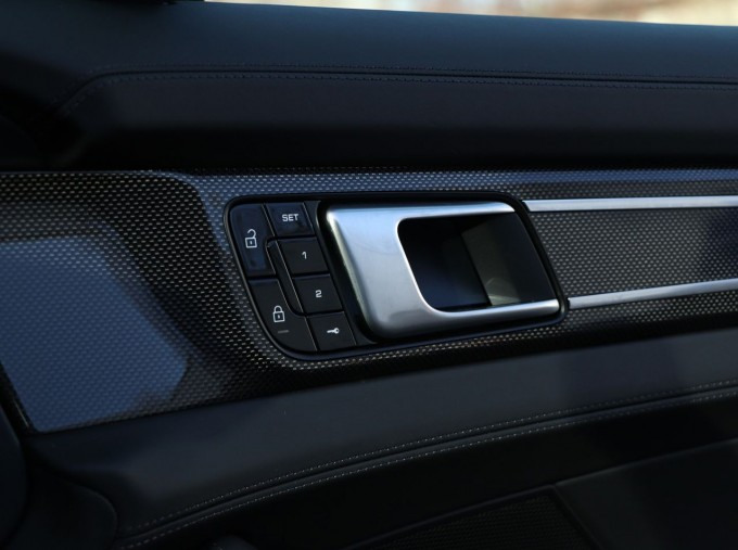 2020 Porsche V6 E-Hybrid 17.9kWh 4S PDK 4WD 4-door (Black) - Image: 23