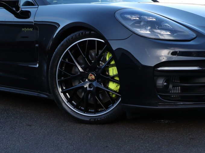 2020 Porsche V6 E-Hybrid 17.9kWh 4S PDK 4WD 4-door (Black) - Image: 29