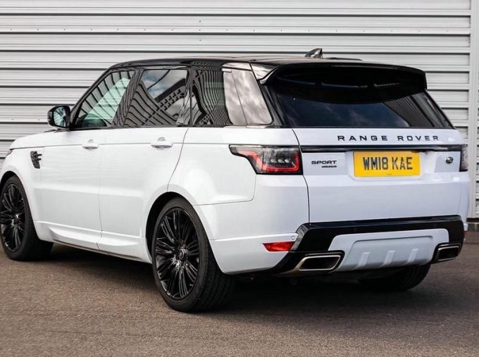 2018 Land Rover SD V6 HSE Dynamic Auto 4WD 5-door (White) - Image: 2
