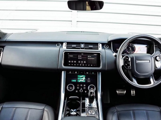 2018 Land Rover SD V6 HSE Dynamic Auto 4WD 5-door (White) - Image: 9
