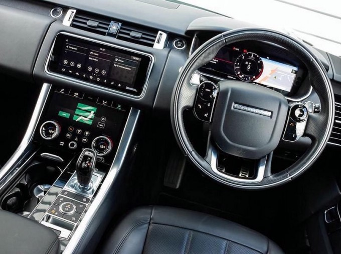 2018 Land Rover SD V6 HSE Dynamic Auto 4WD 5-door (White) - Image: 10