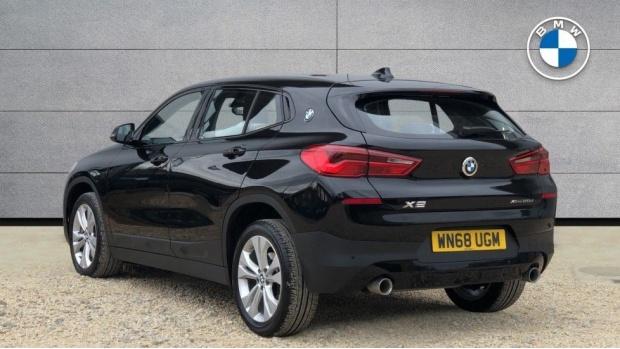 2018 BMW XDrive20d Sport (Black) - Image: 2