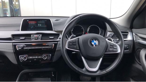 2018 BMW XDrive20d Sport (Black) - Image: 5