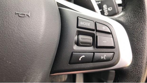 2018 BMW XDrive20d Sport (Black) - Image: 18