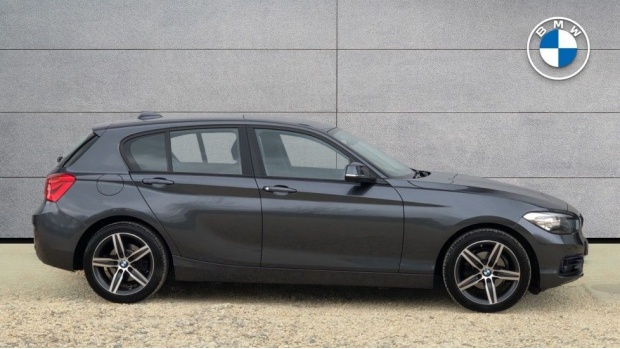 2017 BMW 118i Sport 5-door (Grey) - Image: 3