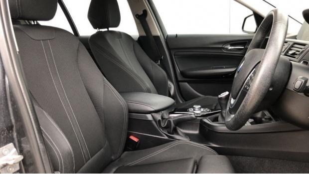 2017 BMW 118i Sport 5-door (Grey) - Image: 11