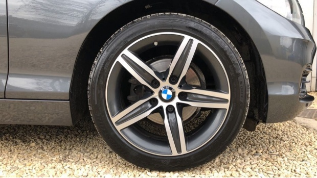 2017 BMW 118i Sport 5-door (Grey) - Image: 14