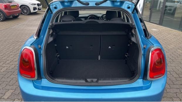 2018 MINI 5-door Cooper (Blue) - Image: 13