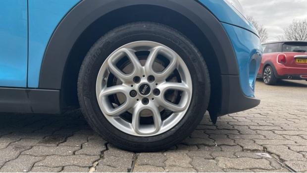2018 MINI 5-door Cooper (Blue) - Image: 14