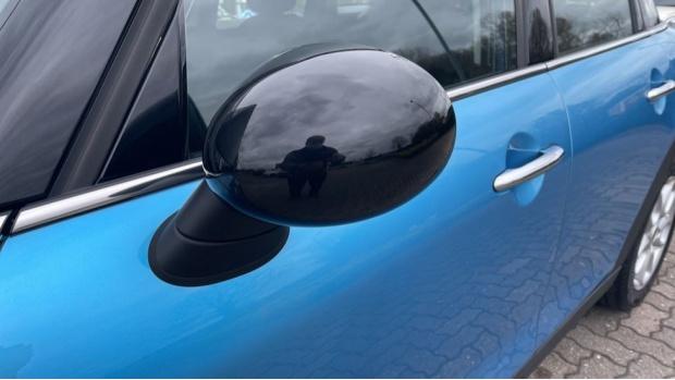 2018 MINI 5-door Cooper (Blue) - Image: 31
