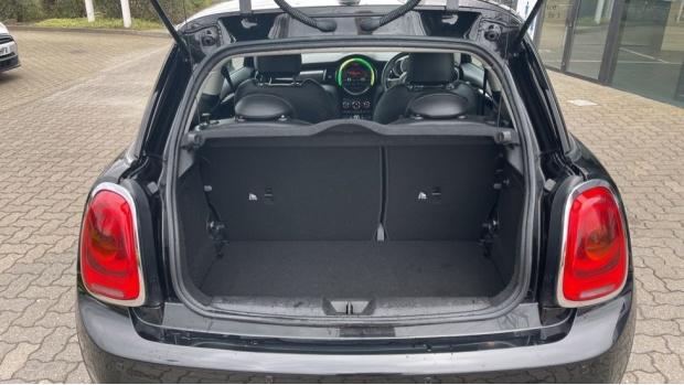 2016 MINI Cooper S 3-door Hatch (Black) - Image: 13