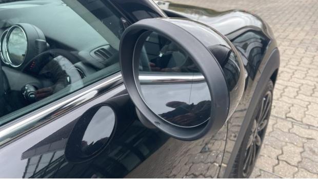 2016 MINI Cooper S 3-door Hatch (Black) - Image: 25