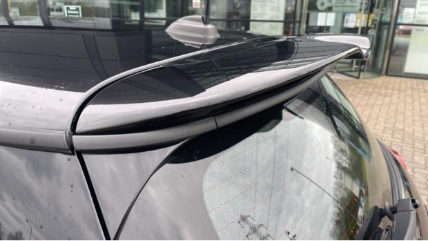 2016 MINI Cooper S 3-door Hatch (Black) - Image: 33