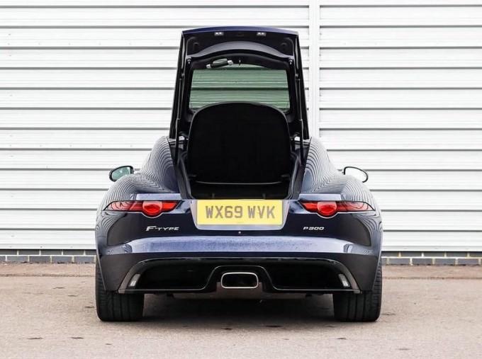 2019 Jaguar 2.0i GPF R-Dynamic Auto 2-door (Blue) - Image: 14