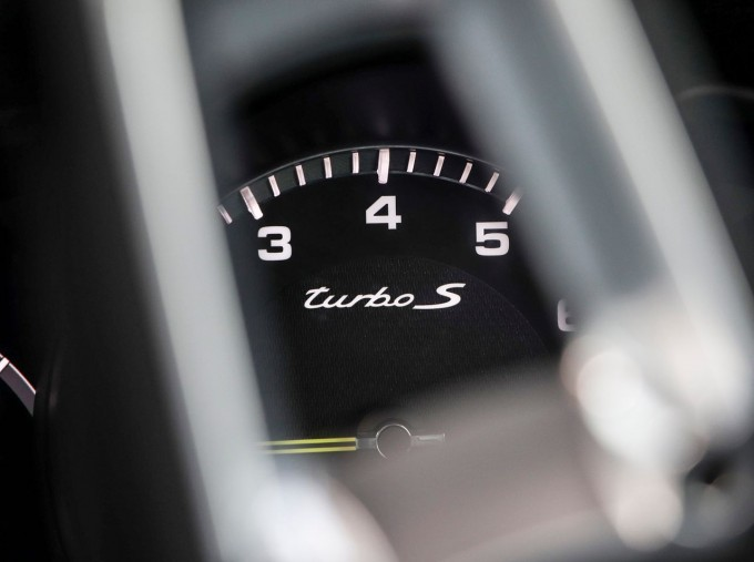 2020 Porsche TURBO S (White) - Image: 15
