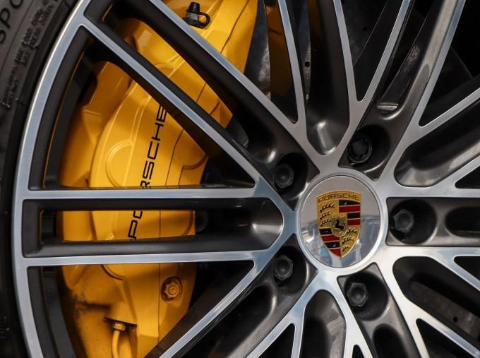 2020 Porsche TURBO S (White) - Image: 34