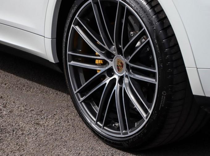 2020 Porsche TURBO S (White) - Image: 35