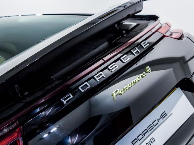 2018 Porsche 4 E-HYBRID (Black) - Image: 8