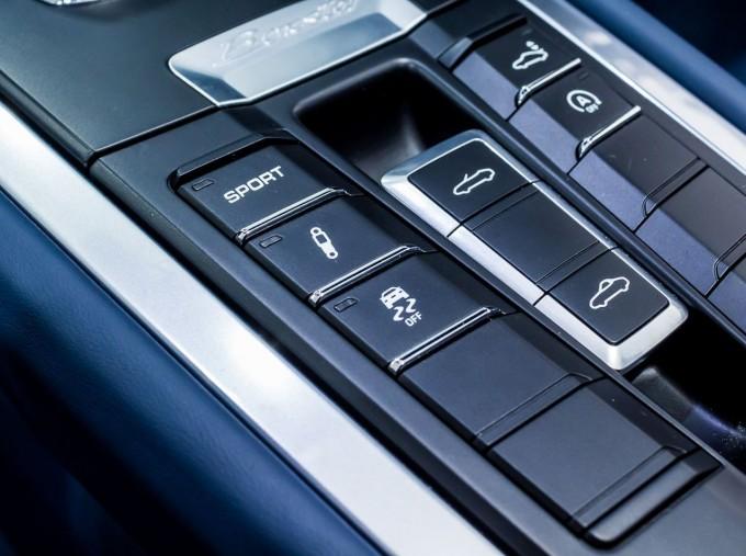 2015 Porsche 981 S PDK 2-door (Silver) - Image: 23