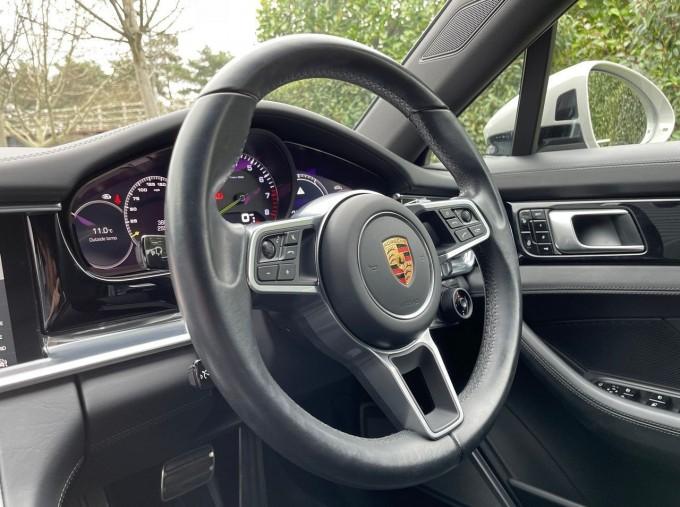 2017 Porsche V6 E-Hybrid 14kWh 4 PDK 4WD 4-door  - Image: 17