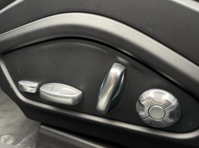 2017 Porsche V6 E-Hybrid 14kWh 4 PDK 4WD 4-door  - Image: 18