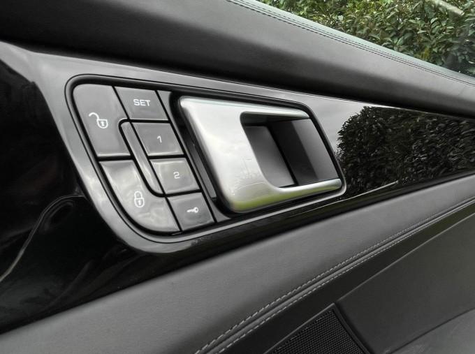 2017 Porsche V6 E-Hybrid 14kWh 4 PDK 4WD 4-door  - Image: 20