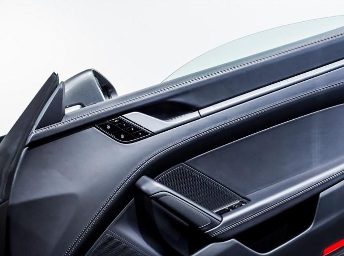 2020 Porsche 992 Carrera PDK 2-door (Grey) - Image: 32