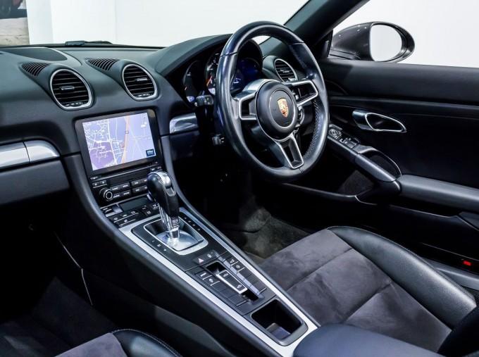 2018 Porsche PDK 2-door (Grey) - Image: 3