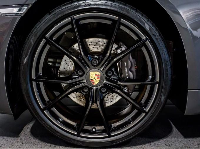 2018 Porsche PDK 2-door (Grey) - Image: 4
