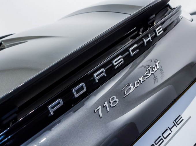 2018 Porsche PDK 2-door (Grey) - Image: 8