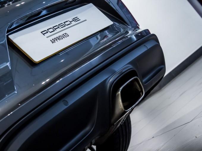 2018 Porsche PDK 2-door (Grey) - Image: 13