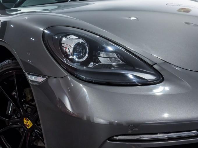 2018 Porsche PDK 2-door (Grey) - Image: 20