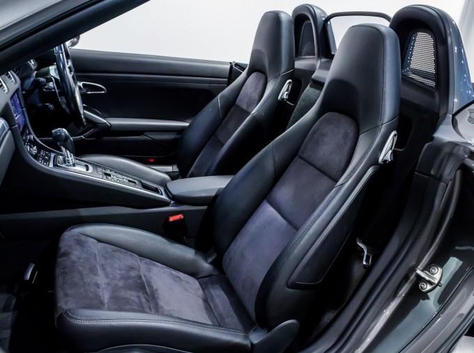 2018 Porsche PDK 2-door (Grey) - Image: 21