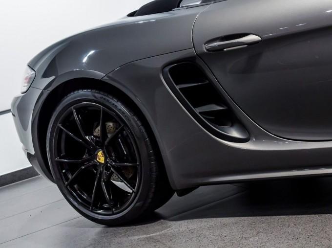 2018 Porsche PDK 2-door (Grey) - Image: 32