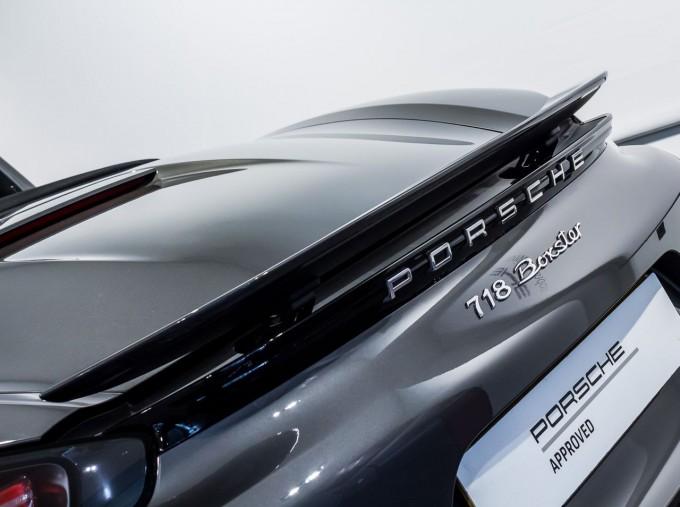 2018 Porsche PDK 2-door (Grey) - Image: 34
