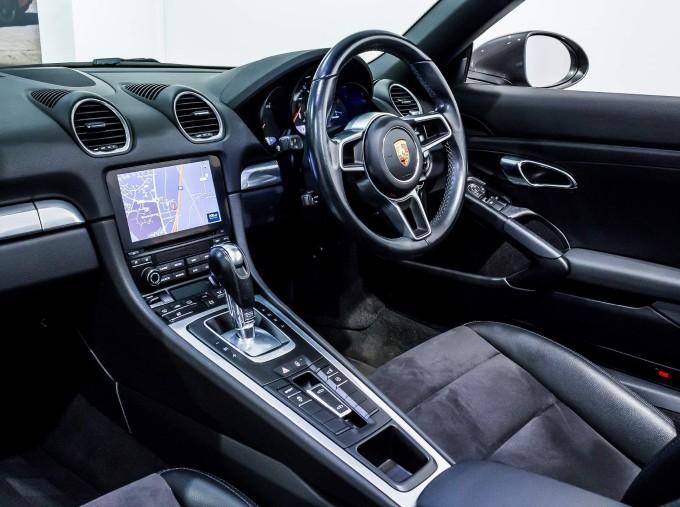 2018 Porsche PDK 2-door (Grey) - Image: 45