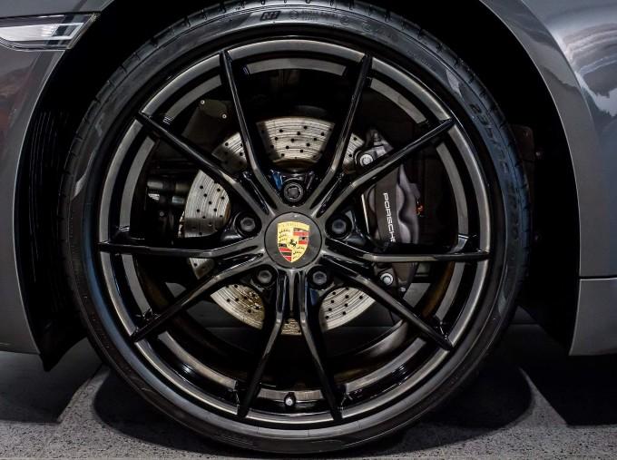 2018 Porsche PDK 2-door (Grey) - Image: 46